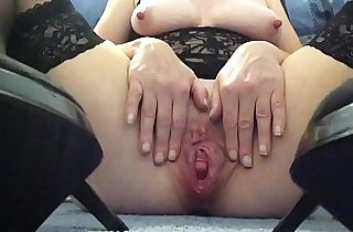 amateur sex, tits, clitoris, cream, dildoing, heels, homeporn, hornylesbo